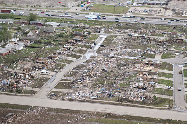 2013 Moore tornado damage