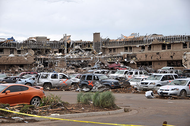 2013 Moore Medical Center damage